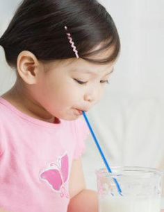 Cuánta leche y de qué tipo se le debe dar al niño a partir de 1 año de edad