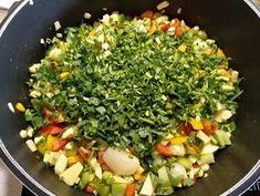 Κύβοι λαχανικών σπιτικοί συνταγή από Anna Beni - Cookpad Sprouts, Anna, Vegetables, Food, Essen, Vegetable Recipes, Meals, Yemek, Veggies