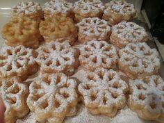Food Photography: Check more at pic. Rosettes Cookie Recipe, Rosette Recipe, Rosette Cookies, Cupcake Cookies, Cupcakes, Holiday Baking, Christmas Baking, Christmas Treats, Christmas Recipes
