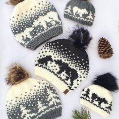 The Kodiak Kisses pattern has now been updated on Ravelry AND added onto etsy 🎉🎉 It also now comes with a bonus chart of trees all around. Happy knitting ❤️