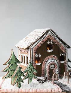 Cozy Gingerbread House – A Cozy Kitchen