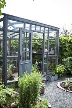 grått växthus.jpg (2 klick)
