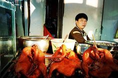 Sunday BBQ Duck : Street food vendor in Lijiang China.      #travel #artofvisuals #instatravels #igtravels #instagood #beautifuldestinations #passionpassport #discovertheworld #discoverearth #earthofficial #travelstoke #travelblogger #doyoutravel #theglobewanderer #worlderlust #streetsnaps #TravelBug #TravelPics #TravelMore #wander #TravelAddict #wanderlust #china #visitchina #lijiang #unesco #streetfood #duck #vendor #streetphotography