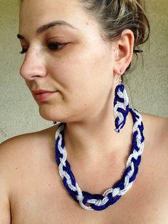 blue- white in modell