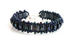 Beaded bracelet  http://www.sashe.sk/kacenkag/detail/modry-iris-stvorcekovy