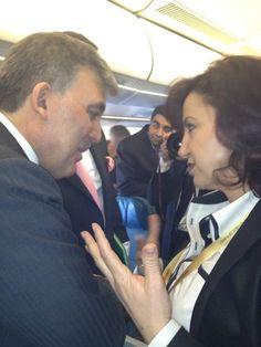 Global Niche workshop participant Semiha Unal documenting her conversation with Turkish president Abdullah Gul.
