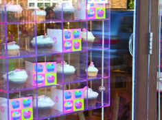 Hummingbird Bakery, The