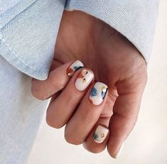 - Hair Beauty World Minimalist Nails, Dream Nails, Love Nails, Stylish Nails, Trendy Nails, Nail Manicure, Diy Nails, Manicure Ideas, Romantic Nails
