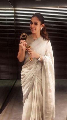 Fashion Designer, Indian Designer Wear, Beautiful Saree, Beautiful Indian Actress, Men's Fashion, Fashion Week, Onam Saree, Kerala Saree Blouse Designs, Saree Hairstyles