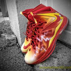 Cheap Lebron Basketball Shoes ( more discounted LeBron shoes, because they are HORRIBLE)