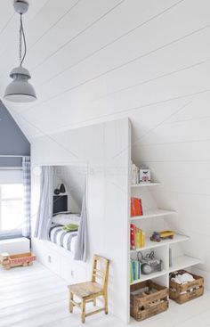 White and blue - Attic room. Loft Room, Bedroom Loft, Girls Bedroom, Bedroom Decor, Built In Bed, Box Bed, Attic Bedrooms, Paint Colors For Living Room, Attic Spaces