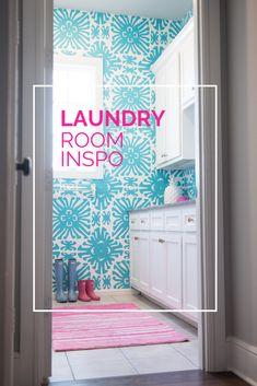 A happy laundry room Laundry Room Curtains, Laundry Room Wallpaper, Laundry Room Colors, Laundry Room Design, Maids Room, Laundry Room Inspiration, Colorful Wallpaper, Fashion Room, Room Interior