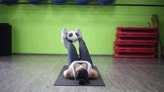 Rutina de abdominales con balón de fútbol | Blog de atún Tuny