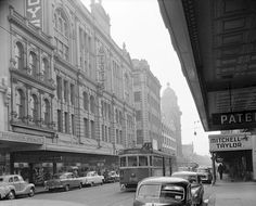 Chapel St, Prahran, West side, looking north towards Malvern Rd from approximate site of Rebel Sport today. Amazingly almost everything depicted still stands and is protected today. Melbourne Tram, Melbourne Australia, City Council, Back In Time, Tasmania, Historical Photos, Professional Photographer, Old Photos, Sailing
