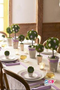 200 veľkonočných nápadov pre všetky šikovné ručičky - sikovnik.sk Table Decorations, Plants, Furniture, Home Decor, Home Furnishings, Planters, Interior Design, Home Interiors, Decoration Home