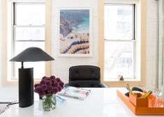 Founder of Man Repeller, Leandra Medine, gives her SoHo office a new look as she teams up with Elisa Shankle from Homepolish. Home Office, Modern Office Desk, Office Decor, Man Repeller, Office Makeover, Room Tour, Architectural Digest, York, House Rooms