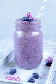 Healthy Smoothies For Kids, Blueberry Cheesecake, Lassi, Cocktails, Drinks, Mason Jars, Frozen, Desserts, Food