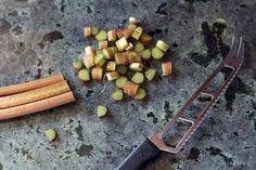 HOMEMADE: RHUBARB CRUNCH RECIPE — Kendra Castillo Rhubarb Muffins, Rhubarb Desserts, Rhubarb Recipes, Popsicle Recipes, Rhubarb Slush Recipe, Rhubarb Harvest, Healthy Homemade Ranch, Slush Recipes