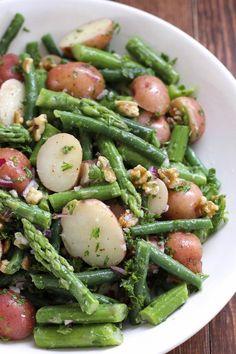 Potato Salad with Green Beans and Asparagus Kartoffelsalat mit grünen Bohnen und Spargel – Green Valley Kitchen Green Bean Recipes, Vegetable Recipes, Vegetarian Recipes, Cooking Recipes, Healthy Recipes, Vegan Asparagus Recipes, Beans Recipes, Top Recipes, Healthy Tips