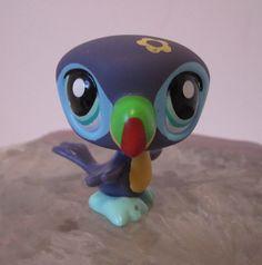 Littlest Pet Shop Purple Toucan LPS Green Eye Bird Green Rainbow Beak #01951  #Hasbro