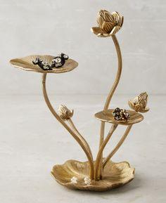25 Beautiful Gold Jewelry Holders - Pasta per modellare - Tassel Jewelry, Jewelry Dish, Jewelry Stand, Jewellery Storage, Jewellery Display, Jewelry Organization, Clay Jewelry, Jewelry Gifts, Gold Jewelry