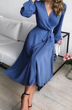 Elegant Midi Dresses, Pretty Dresses, Blue Dresses, Beautiful Dresses, Summer Dresses, Blue Dress Casual, Long Casual Dresses, Classy Dress, Classy Outfits