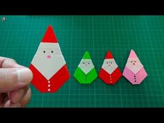 Origami for christmas: How to make a Santa Claus hat with paper - Christmas crafts Origami Envelope, Origami Star Box, Origami Fish, Diy Origami, Origami Tutorial, Origami Folding, Paper Folding, Origami Paper, 3d Christmas