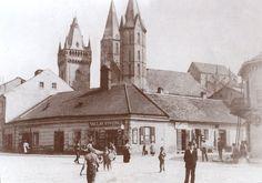 Nároží ulic Kouřimské a Jungmannovy roku 1900.