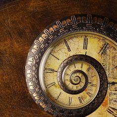 love this spiral clock :)