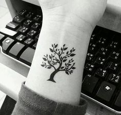 Tree tattoo....isn't amazing???
