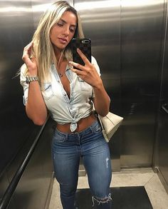 """18.8k Likes, 159 Comments - Gabrielle Araujo (@gabiaraujo_c) on Instagram: """"Se não for pra sairmos de parzinho, nem saímos ❣️ Com a twin.. sempre,sempre ❤ #gopunta"""""""
