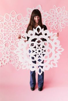 From giant paper snowflakes to snowflake chandeliers here are The 11 Best DIY Snowflake Crafts to create a winter wonderland. From giant paper snowflakes to snowflake chandeliers here are The 11 Best DIY Snowflake Crafts to create a winter wonderland. Noel Christmas, All Things Christmas, Winter Christmas, Xmas, Christmas Concert, Whimsical Christmas, Retro Christmas, Paper Snowflake Patterns, Snowflake Craft
