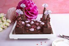 Sjokoladekake Prinsesseslott Gift Wrapping, Baking, Gifts, Gift Wrapping Paper, Presents, Wrapping Gifts, Bakken, Favors, Gift Packaging