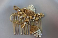 Bridal Hair comb Pearl & Rhinestone Gold by ButterflyEffectInc