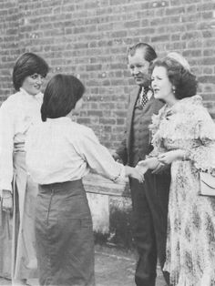 1980-05-17 Diana at her sister Sarah's wedding with bridesmaid Lady Sarah Armstrong-Jones and the Earl and Countess Spencer