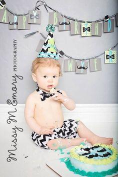 Boys Cake Smash Outfit - Black Chevron -Shorts, Velcro Bow Tie & Birthday Hat - Birthday Set