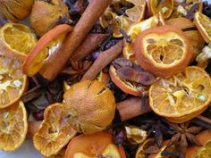 Christmas potpourri recipe with dried orange slices, cinnamon sticks and Christmas spices at driedflowercraft.co.uk