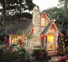 'Hansel' cottage at Christmastime, Carmel-by-the-Sea, CA. The original Comstock cottage. (****See Pins showing other views of this house. Style Cottage, Cute Cottage, Cottage Living, Cottage Design, Cottage Image, Yellow Cottage, House Design, Garden Design, Little Cottages
