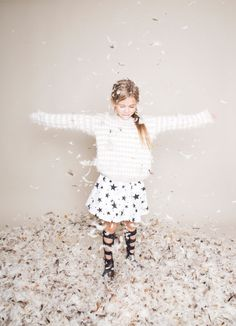 SERIE MODE : ODE A LA PLUIE Photographe et styliste : Annelie Klein Coiffeur/maquilleur : Katharina Armleder Modèle : Hanna K. par l'agence Lichtkind Crédits : Kids on the moon, Noé & Zoë, Zara, Loud Apparel by fourmonkeys, BANGBANG CPH by fourmonkeys, NUNUNU, Kyl21