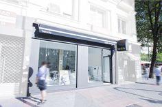 #Oficina #Tienda #moderno #contract via @planreforma #fachada #iluminacion