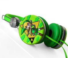Zelda headphones earphones handpainted Link Triforce green yellow