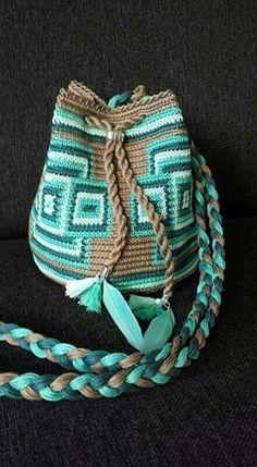 Marvelous Crochet A Shell Stitch Purse Bag Ideas. Wonderful Crochet A Shell Stitch Purse Bag Ideas. Crotchet Bags, Crochet Handbags, Crochet Purses, Knit Or Crochet, Knitted Bags, Crochet Crafts, Crochet Projects, Tapestry Bag, Tapestry Crochet