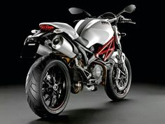 Ducati Monster 796...that looks oddly familiar.