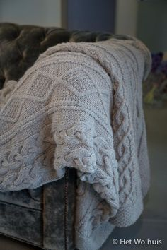Kabel-Kal Het Wolhuis | Het Wolhuis Knitted Afghans, Knitted Blankets, Knitting Patterns, Needlework, Knit Crochet, Embroidery, Sewing, Creative, Tejidos