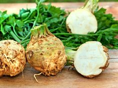 weight-loss efforts a boost with 'negative-calorie' foods With just 18 calories per celeriac is one of the lowest-calorie vegetables around.With just 18 calories per celeriac is one of the lowest-calorie vegetables around. Fall Vegetables, Different Vegetables, Celeriac Soup, Negative Calorie Foods, Liquid Meals, Cream Of Celery, Celerie Rave, Calories, Light Recipes