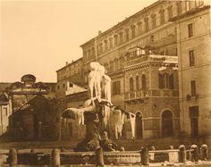 E' il 18 gennaio 1864 e la fontana del Tritone a piazza Barberini è ricoperta di ghiaccio...