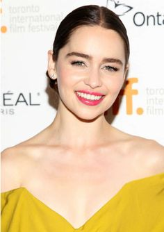 Emilia Clarke | Must watch actress on her Game of Thrones lead role. #youresopretty
