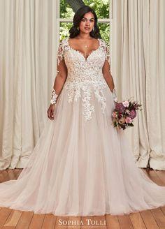 Peplum Wedding Dress, Plus Size Wedding Gowns, Dream Wedding Dresses, Designer Wedding Dresses, Plus Size Brides, Plus Size Bridal Dresses, Dress Prom, Dresses To Wear To A Wedding, Bridesmaid Dresses