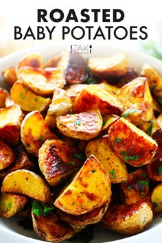 This easy Roasted Baby Potatoes recipe requires no peeling, no fancy ingredients, and than less than 10 minutes to prep. A simple blend of spices and an extra crispy exterior makes them extra delicious! This potato side dish is simple enough for a weeknight dinner, yet delicious enough for serving to company! Potato Side Dishes, Healthy Side Dishes, Savoury Dishes, Side Dish Recipes, Best Appetizer Recipes, Dinner Recipes, Baby Potato Recipes, Roasted Baby Potatoes, Dinner Menu