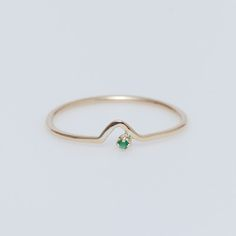 WWAKE 10K Gold/Emerald Triangle Lineage Ring | Offset and modern, the ancient emerald feels new again